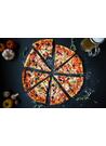 이탈리아식 구운 피자 이미지
